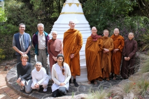 2014-10-18 Santi sangha stupa jill