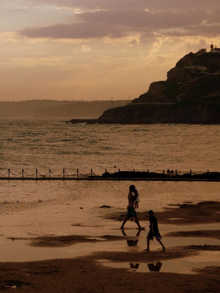 evening family paddling 4 close
